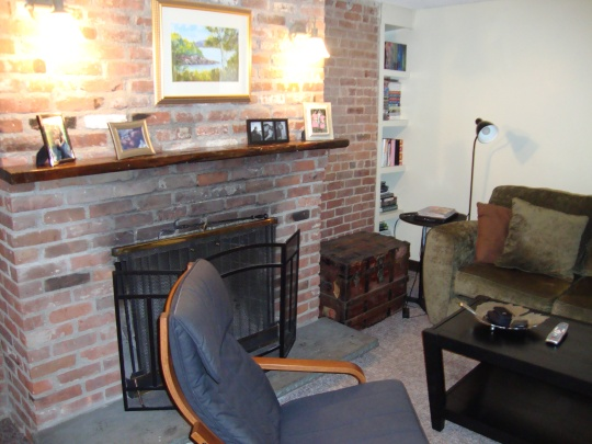 exposed brick (working!) fireplace