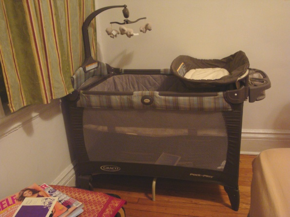 Graco Pack and Play in Nouvelle Pattern